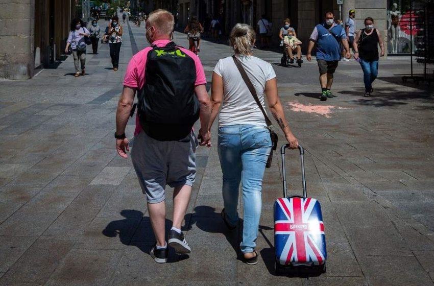 """Χωρίς καραντίνα από 19 Ιουλίου οι πλήρως εμβολιασμένοι Βρετανοί  που επιστρέφουν από """"πορτοκαλί"""" χώρες"""
