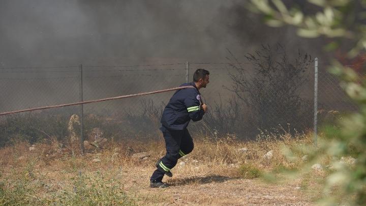 Χρυσοχοΐδης για τη μεγάλη φωτιά στην Αχαΐα: Δύσκολο να ελεγχθεί, εξελίχθηκε πολύ γρήγορα