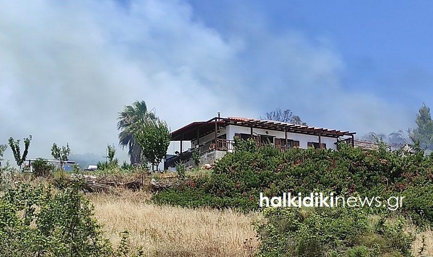 Απειλήθηκε σπίτι από τις φλόγες στη Νικήτη Χαλκιδικής
