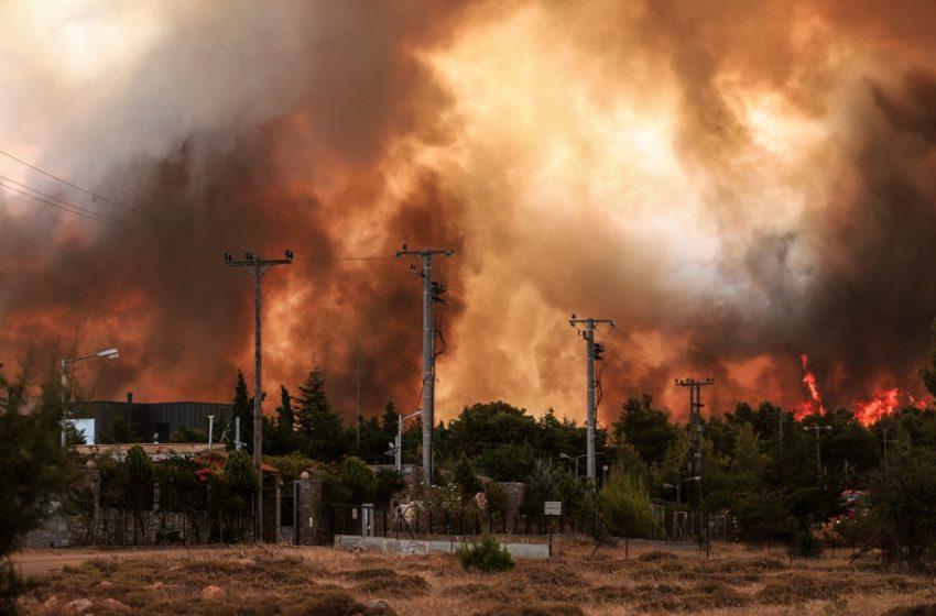 Συναγερμός σε έξι Περιφέρειες για πυρκαγιές
