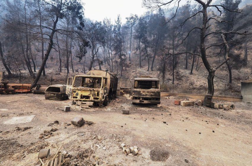 Εύβοια: Εκκενώνονται οι Κεχριές, χτυπούν οι καμπάνες στο χωριό- Απομακρύνονται οι κάτοικοι και από άλλα χωριά