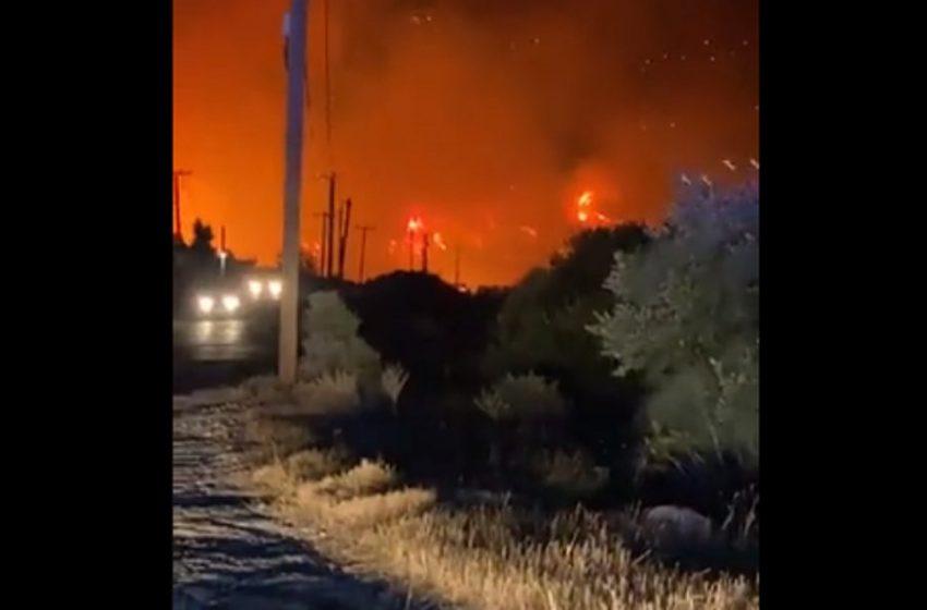 Φωτιά στο Δασκαλειό Κερατέας: Έριξαν φωτοβολίδες στην πλαγιά του βουνού υπάρχει βίντεο καταγγέλλει ο Δήμαρχος (vid)