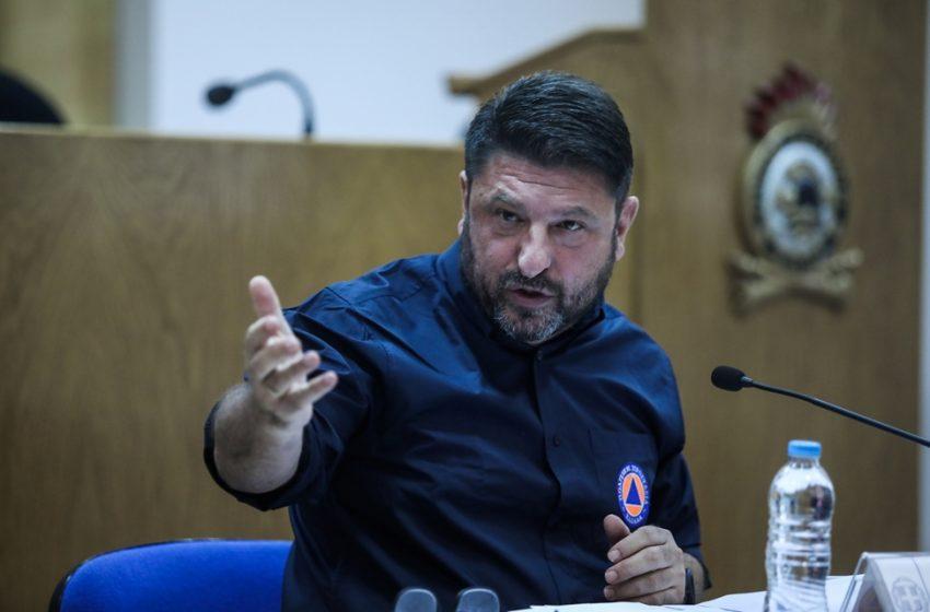 """Χαρδαλιάς: """"Στο συρτάρι του πρωθυπουργού η παραίτησή μου"""" – Η εξήγηση για τα εναέρια μέσα στην Εύβοια – Που χάθηκε η μάχη στην Βαρυμπόμπη"""
