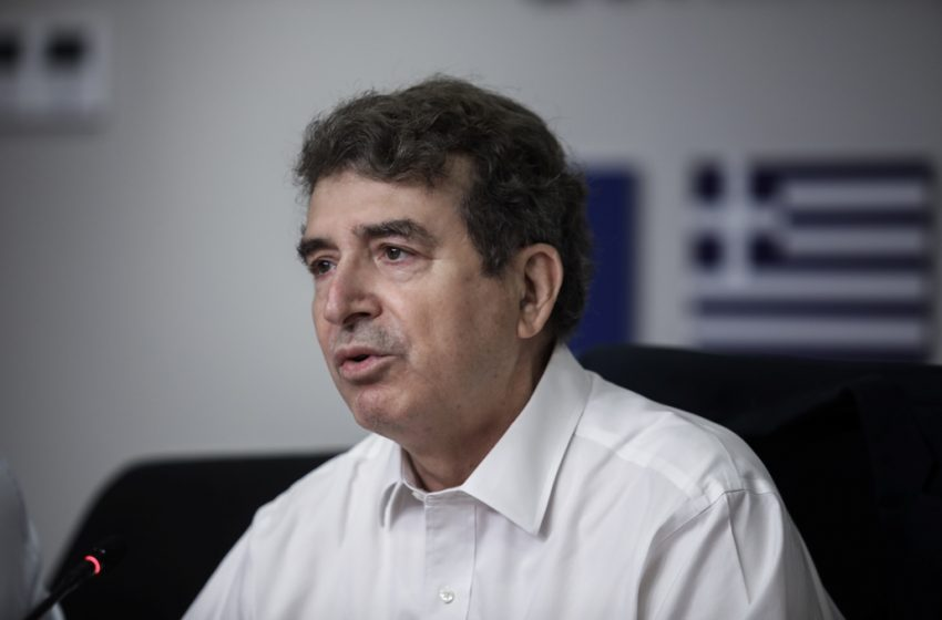 Χρυσοχοΐδης: Βελτιωμένη η κατάσταση στην Κερατέα – Δύσβατο το μέτωπο στα Βίλια