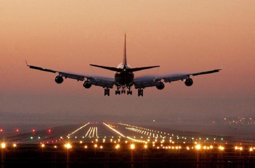 Η ΕΕ δεν επιβάλει ταξιδιωτικούς περιορισμούς στις ΗΠΑ, παρά την έκρηξη νέων κρουσμάτων