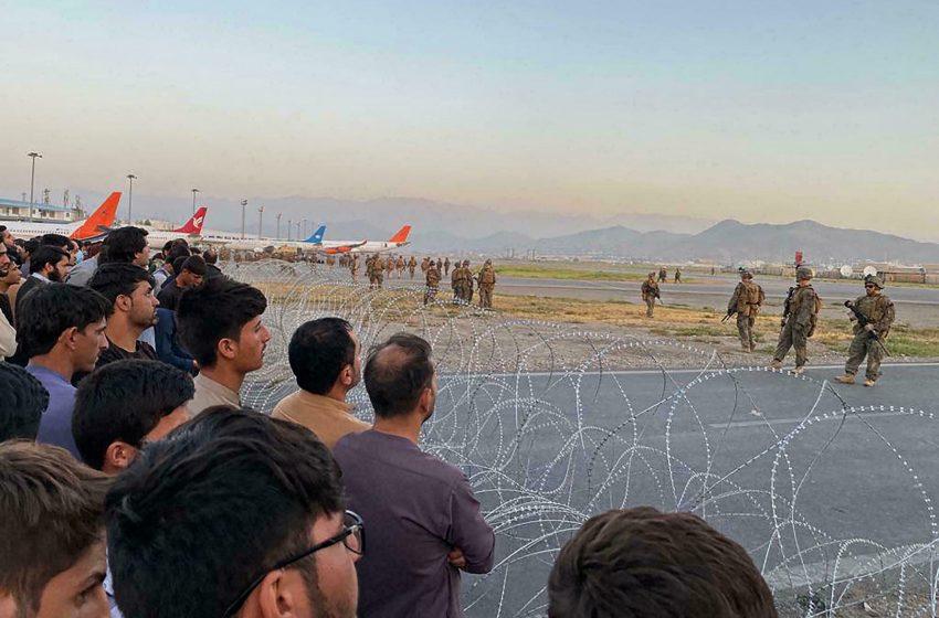 Νέος συναγερμός στην Καμπούλ: Αμερικανική προειδοποίηση για αποχώρηση από το αεροδρόμιο – Στην τελική φάση η επιχείρηση απομάκρυνσης