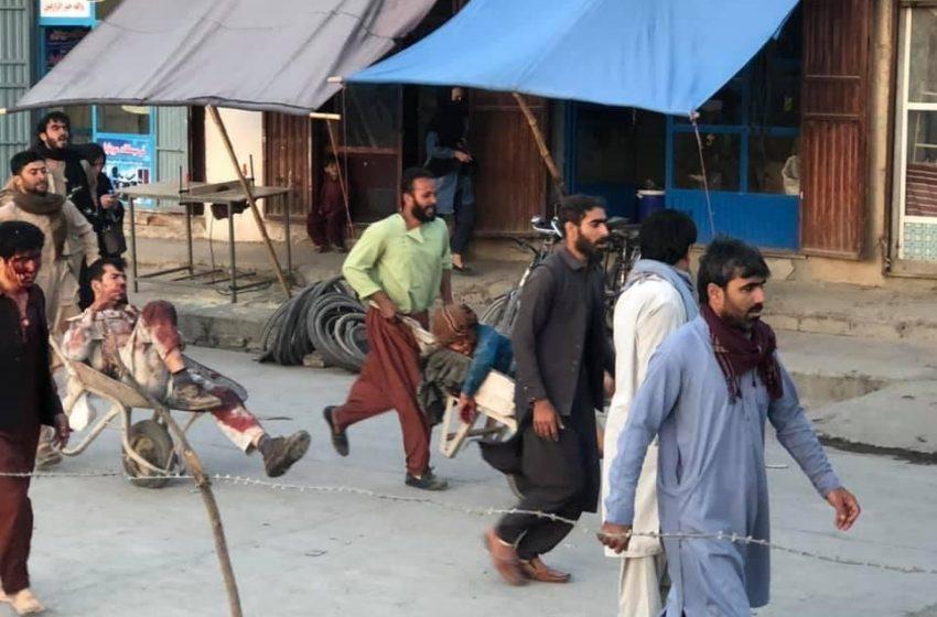 Μακελειό με πάνω από 60 νεκρούς και δεκάδες τραυματίες στην Καμπούλ – Πανικός και εικόνες σοκ (pics&vid)- Ανέλαβε την ευθύνη το ISIS-K