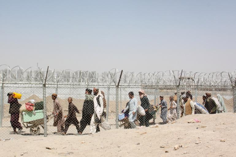 """""""Δεν περίμενα πως θα άφηνα τη χώρα μου""""… Η μεγάλη φυγή συνεχίζεται από το Αφγανιστάν"""
