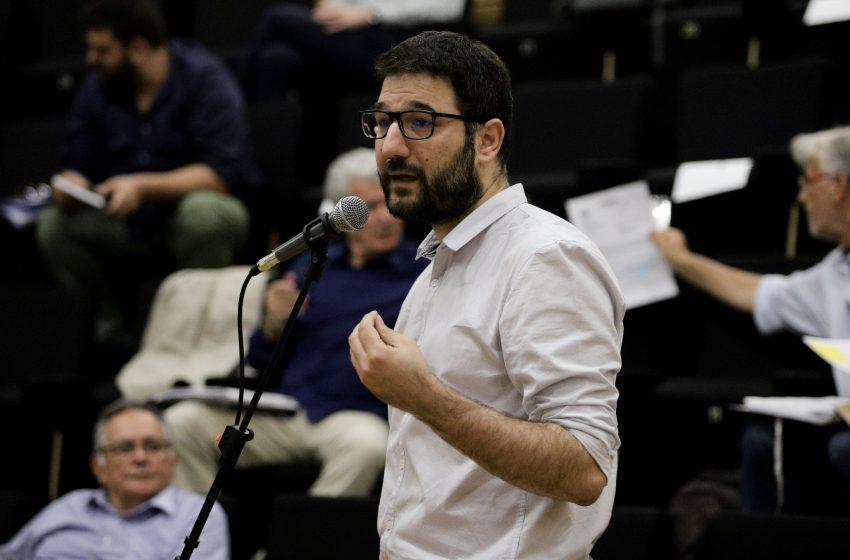 Ηλιόπουλος: Μέτρα για ανεμβολίαστους αντί μέτρων για τη στήριξη της δημόσιας υγείας