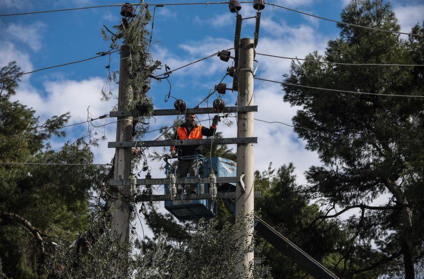 ΔΕΔΔΗΕ: Ποιες περιοχές παραμένουν χωρίς ρεύμα σε Εύβοια και Πελοπόννησο