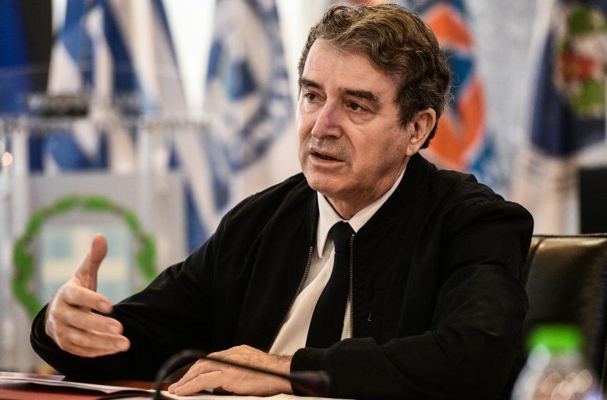 Χρυσοχοΐδης προς ΣΥΡΙΖΑ: Και πυροσβέστης και επιτελικός, συνεχώς παρών