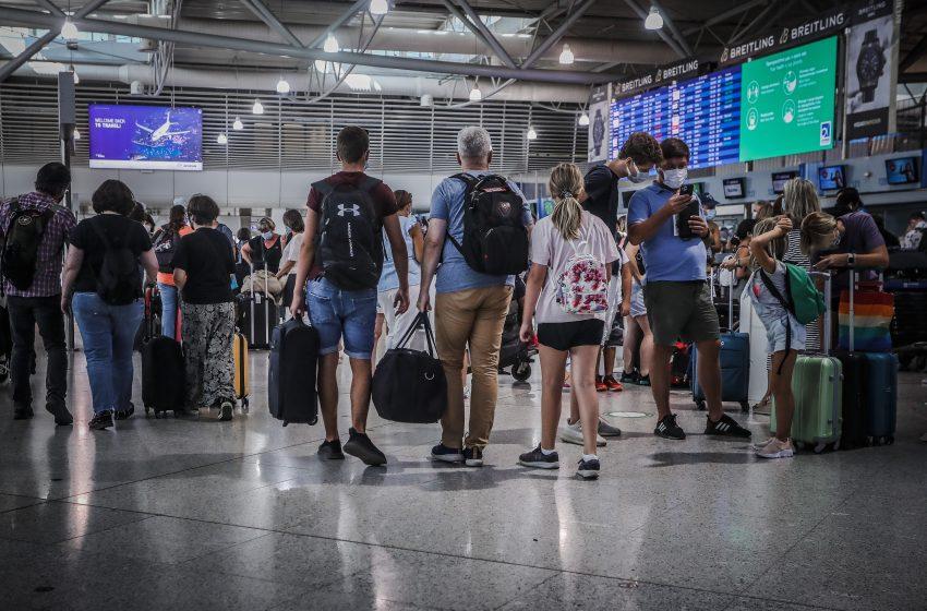 """Εκτός ευρωπαϊκής ταξιδιωτικής """"πράσινης λίστας"""" οι ΗΠΑ και πέντε ακόμη χώρες"""