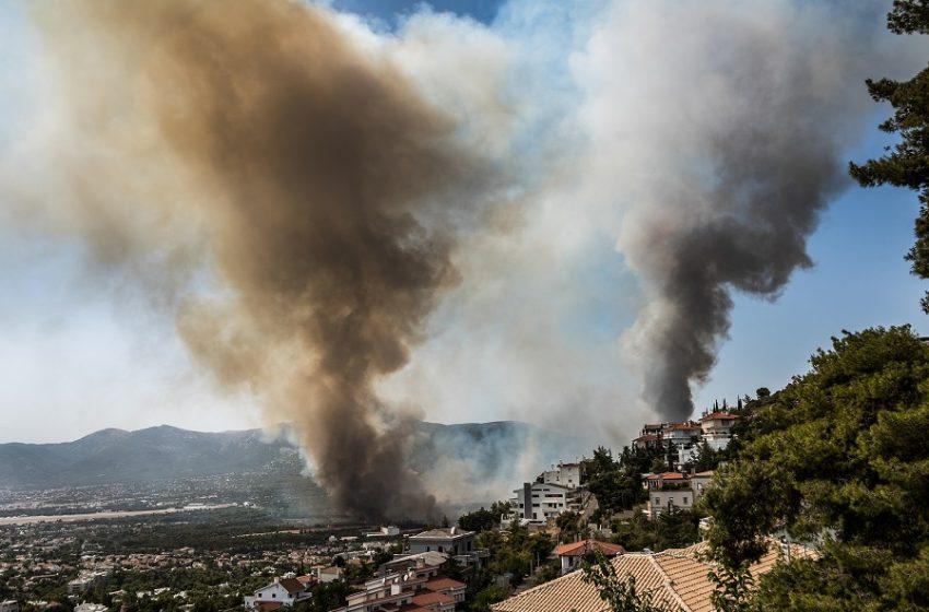 Φωτιά στη Βαρυμπόμπη: Νέο μήνυμα από το 112