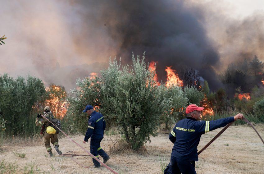 Δροσοπηγή: 3 τραυματίες μεταφέρονται σε νοσοκομείο -Έκλεισε η Ε.Ο. Αθηνών-Θεσσαλονίκης