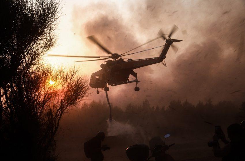 Εικόνες Αποκάλυψης: Εκτός ελέγχου η κατάσταση στην Αττική-Παραδόθηκαν στις φλόγες και οι Αφίδνες
