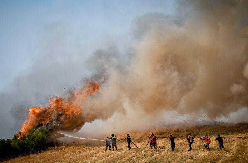 Αρκαδία- πυρκαγιά: Νέο μέτωπο στο χωριό Ίσαρη- Εκκενώθηκαν περιοχές