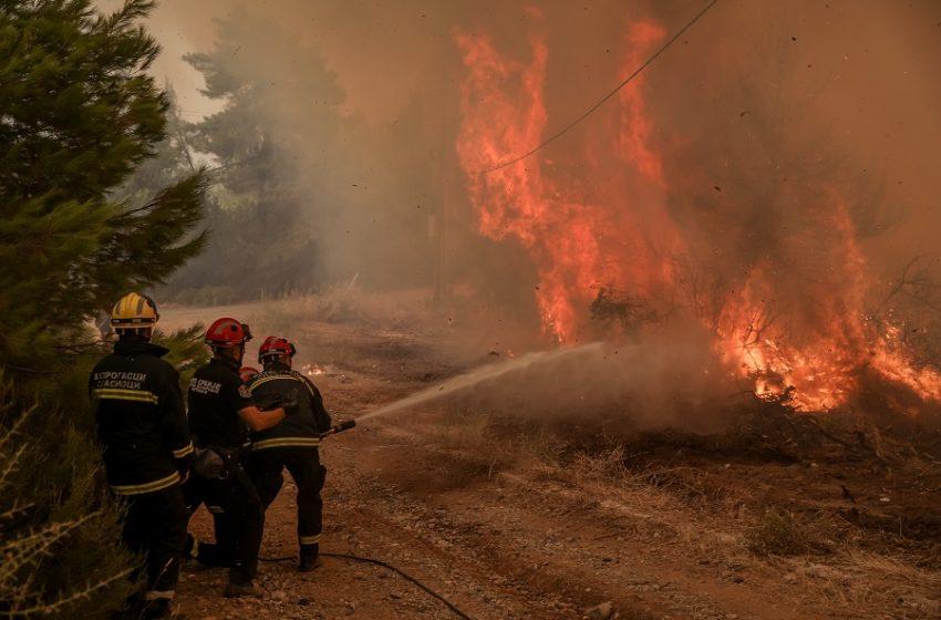 Φωτιά στην Αρκαδία: Εκκενώνονται 12 χωριά