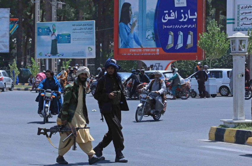 """Έπεσε η Καμπούλ- Εκκενώθηκε η πρεσβεία των ΗΠΑ- Μπλίνκεν: """"Δεν είναι Σαϊγκόν""""- Οι Ταλιμπάν υπόσχονται ειρηνική μετάβαση"""