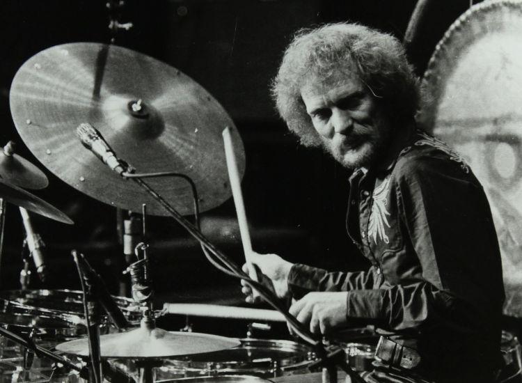 """Πως ο θρυλικός """"Πιπερόριζας"""" Baker ίδρυσε τους Cream με τον Eric Clapton- Εμβληματικός ντράμερ"""