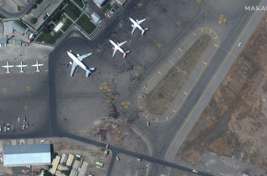 Με εμπορικά αεροσκάφη θα μεταφέρουν οι ΗΠΑ όσους απομακρύνονται από το Αφγανιστάν