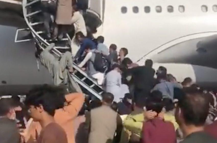 Αφγανιστάν: Πυροβολισμοί στο αεροδρόμιο της Καμπούλ από Αμερικανούς στρατιώτες – Εικόνες χάους (vid)