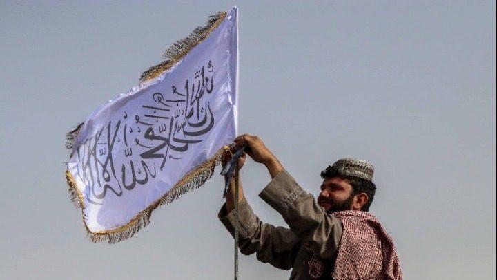 Οι Ταλιμπάν κάλεσαν όλες τις γυναίκες που εργάζονται στον τομέα της δημόσιας υγείας να επιστρέψουν στις δουλειές τους
