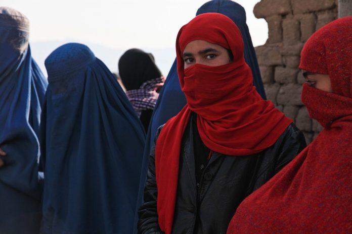 Καμπούλ: Σε πανικό οι γυναίκες από την είσοδο των Ταλιμπάν (vid)