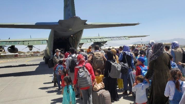 Λονδίνο: Τέλος η επιχείρηση απομάκρυνσης κατοίκων από το Αφγανιστάν