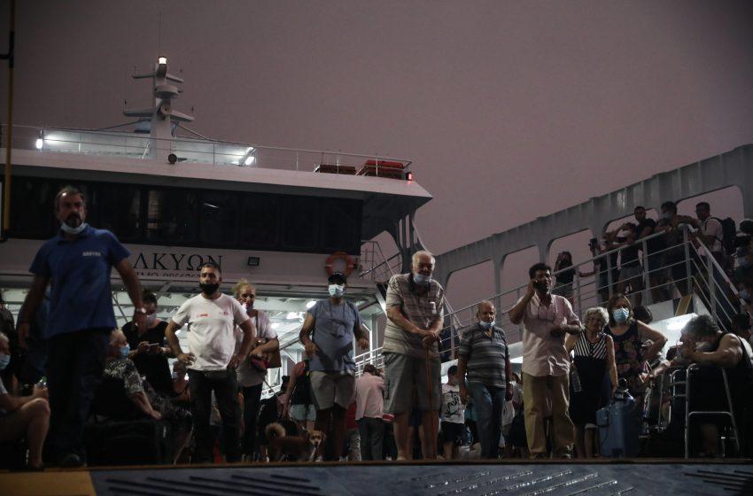 Στους 2.284 έφθασαν οι απεγκλωβισμοί από 1-7 Αυγούστου σύμφωνα με Λιμενικό Σώμα