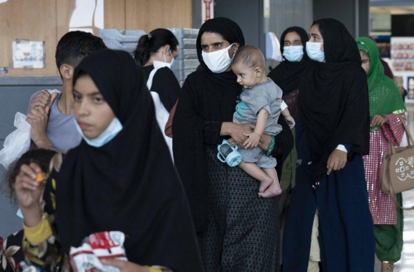 Αφγανιστάν: Οι Ταλιμπάν διέταξαν τις εργαζόμενες γυναίκες να μείνουν σπίτι