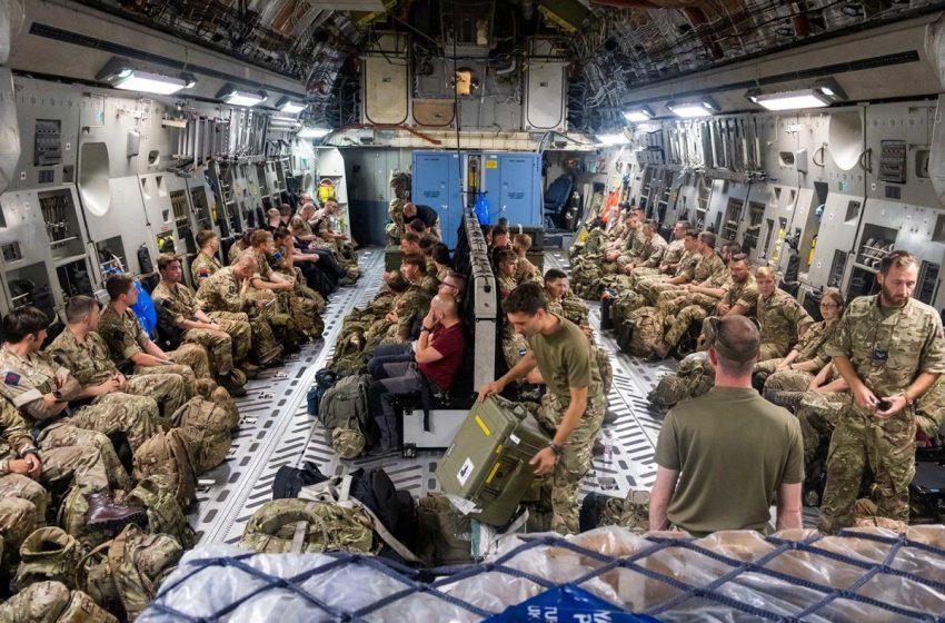 Συνεχίζεται η εκκένωση των βρετανών από το Αφγανιστάν