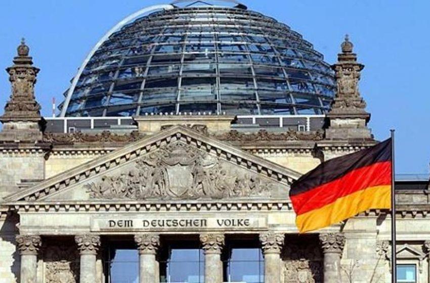 Μαθήματα διαφάνειας προς τα ελληνικά κόμματα/Το γερμανικό -αν και αντιφατικό- παράδειγμα
