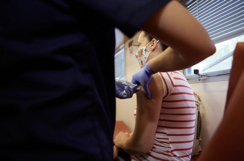 Αναμνηστική δόση εμβολίου: Πέντε ερωτήματα με τις απαντήσεις