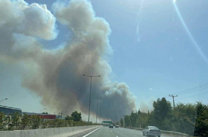 Φωτιά στη Βαρυμπόμπη: Άνοιξαν και τα δύο ρεύματα κυκλοφορίας στην Αθηνών – Λαμίας