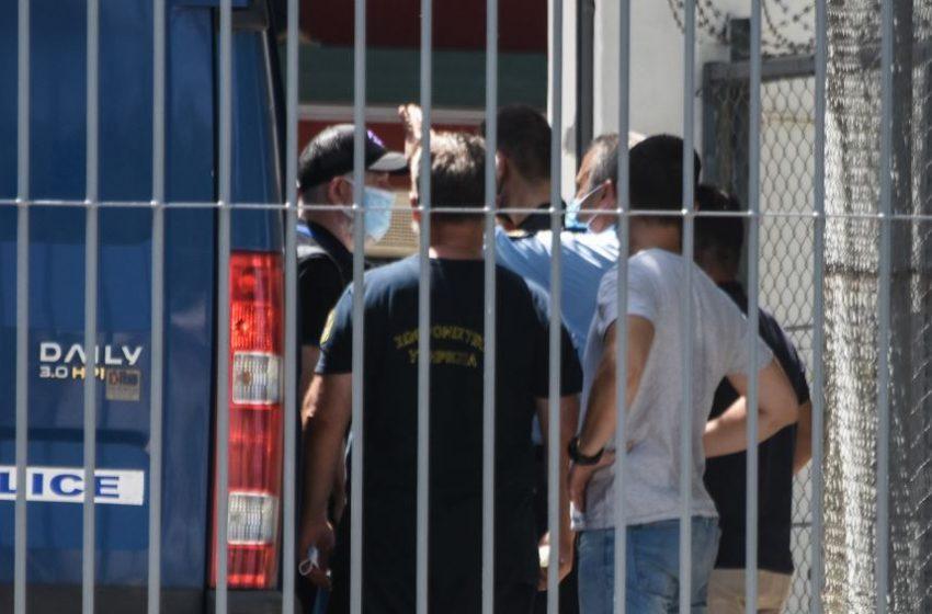 Με τον Λιγνάδη στο θάλαμο των φυλακών ο Φιλιππίδης