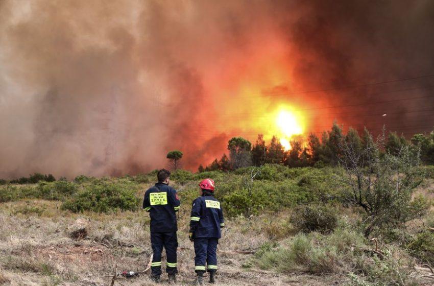 Εχασε τη ζωή του εθελοντής πυροσβέστης