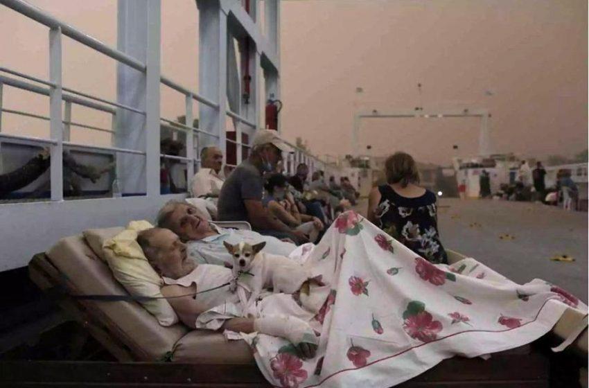 Viral: Η φωτογραφία με το ηλικιωμένο ζευγάρι στην Εύβοια