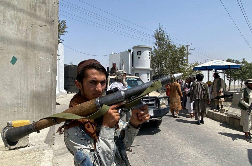 Αμπντούλ Ραχμάν αλ Λογκάρι: Αυτός είναι ο βομβιστής αυτοκτονίας του ISIS – K που αιματοκύλησε την Καμπούλ – Πώς έγινε η επίθεση (vid)