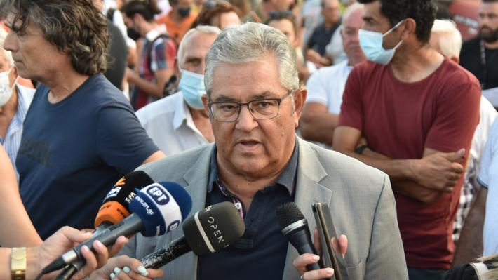 Κουτσούμπας στο συλλαλητήριο πυροπλήκτων Β. Εύβοιας – «Αυτό το έγκλημα να μην παραγραφεί»