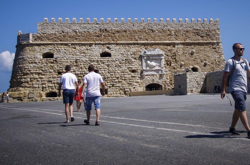"""Μίνι lockdown σε όλη την Κρήτη – Στο """"κόκκινο"""" Ηράκλειο, Ρέθυμνο, Χανιά – Μόνο το Λασίθι στο """"πορτοκαλί"""""""
