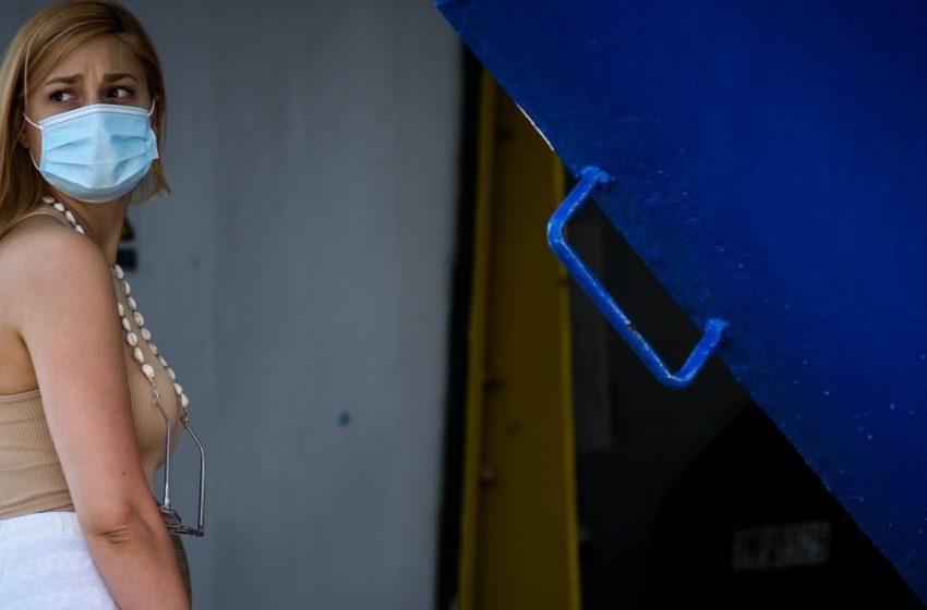"""Γώγος: Μάσκα παντού, όπου υπάρχει συγχρωτισμός, για εμβολιασμένους και μη- """"Νόσος των νέων"""" η  Δέλτα αλλά στρέφεται και σε μεγαλύτερους"""