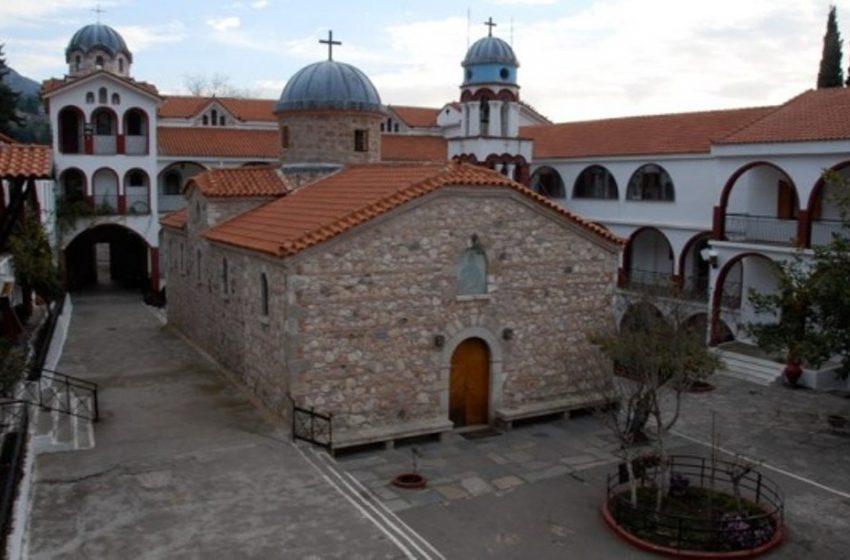 Εύβοια: Κατευθύνεται προς το μοναστήρι του Όσιου Δαβίδ η φωτιά – Αρνούνται να φύγουν οι μοναχοί