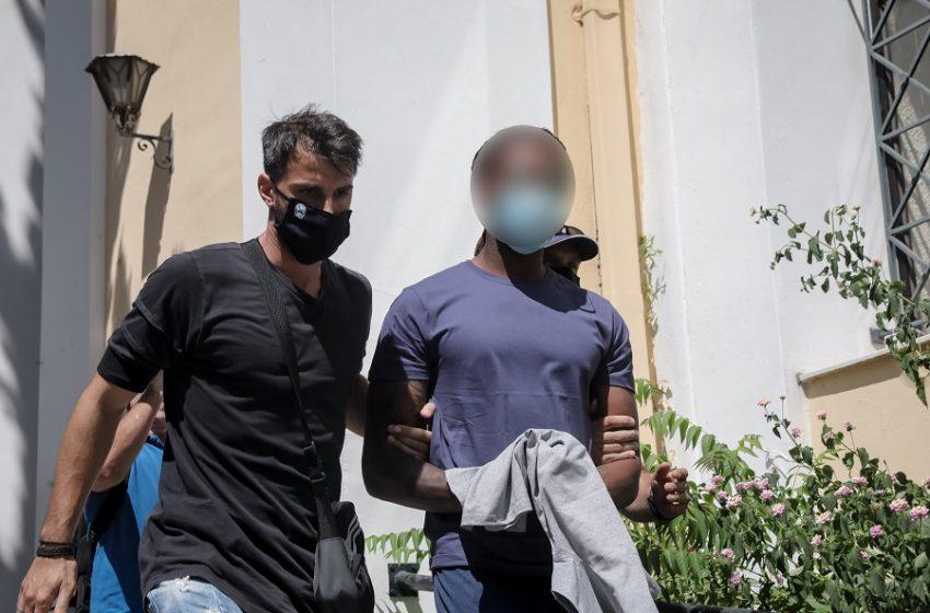 """Η κατάθεση της 17χρονης για το βιασμό της από τον Σεμέδο και τον """"μάνατζερ"""" (vid)"""