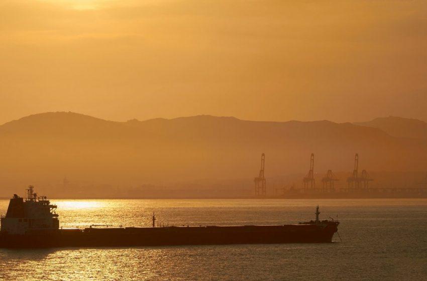 Κύθνος: Μηχανική βλάβη σε φορτηγό πλοίο – Πλέει ακυβέρνητο