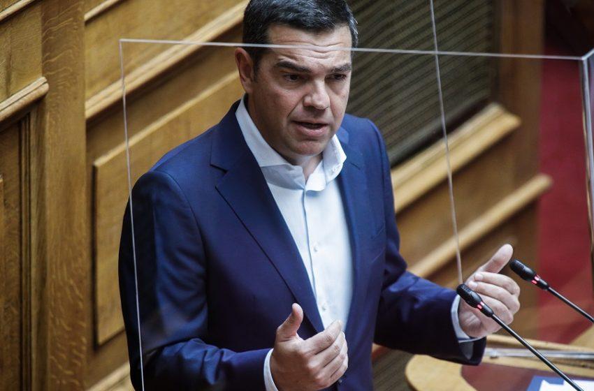 Πυρκαγιές και πανδημία στο επίκεντρο της σφοδρής κριτικής Τσίπρα στη Βουλή – Καταλογίζει ανικανότητα, παιχνίδια με τη δημόσια υγεία, διχασμό