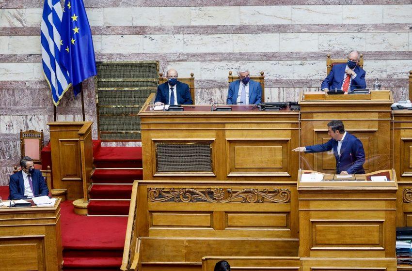 """Ακτινογραφία της μετωπικής στη Βουλή: Το """"damage control"""" επισπεύδει τον ανασχηματισμό – Το """"λάθος Μητσοτάκη"""" που προκάλεσε την οργή της αντιπολίτευσης"""