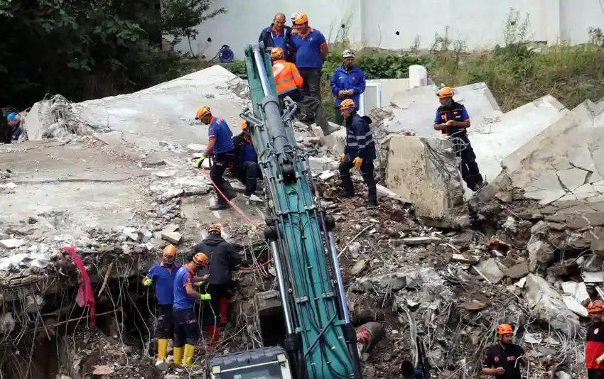 Εικόνες Αποκάλυψης στην Τουρκία – Στους 44 οι νεκροί από τις πλημμύρες