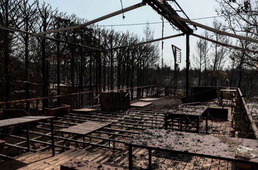 Εισαγγελική έρευνα για τη φωτιά στη Βαρυμπόμπη