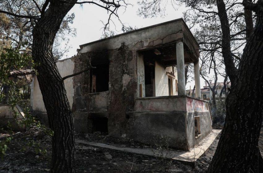 """Κίνδυνος: Τρεις αναζωπυρώσεις στη Βαρυμπόμπη – """"Στα πρώην βασιλικά κτήματα οι φλόγες"""" – Μήνυμα και για το Κρυονέρι"""