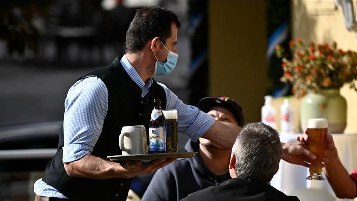 Γερμανία: Σκληρά μέτρα από Μέρκελ για ανεμβολίαστους από το φθινόπωρο